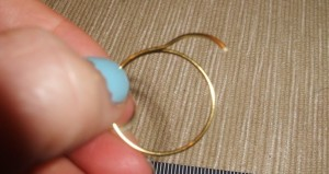 Wire Ring DIY 6 300x159 A Simple Handmade Wire knot ring