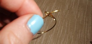Wire Ring DIY 8 300x144 A Simple Handmade Wire knot ring
