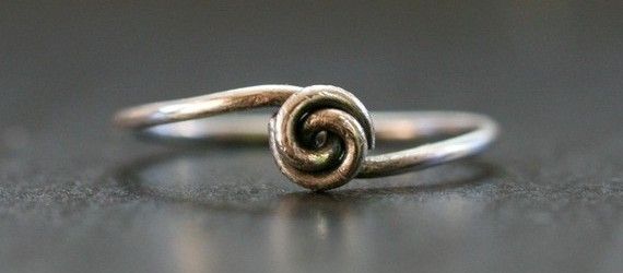A Simple Handmade Wire knot ring