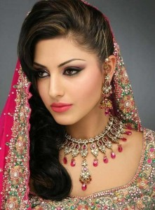 Bridal heavy Jewelry set 221x300 Latest Pakistani handmade Kundan Jewelry