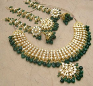 Green Bridal jewellery set 300x278 Latest Pakistani handmade Kundan Jewelry