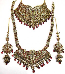 Handcrafted Kundan bridal jewelry