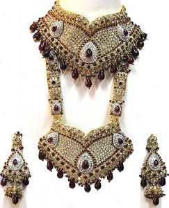 Kundan bridal jewels made in India