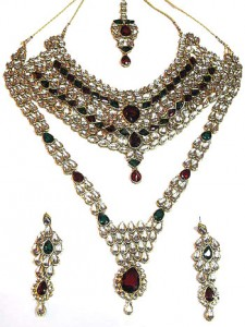 Kundan brides set 225x300 Indian handmade Kundan bridal jewelry