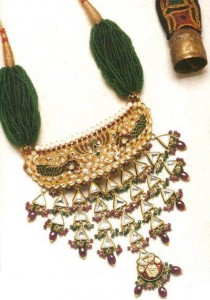 Latest Pakistani handmade Kundan Jewelry1 210x300 Latest Pakistani handmade Kundan Jewelry