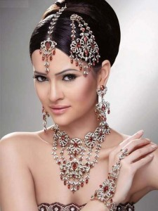 Pakistani Jewelry 225x300 Latest Pakistani handmade Kundan Jewelry