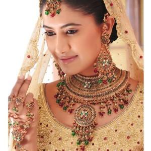 Pakistani handmade Kundan Jewelry 300x300 Latest Pakistani handmade Kundan Jewelry