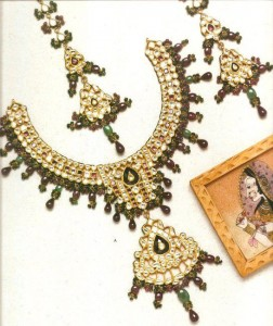 Pakistani jewelry made of Kundan