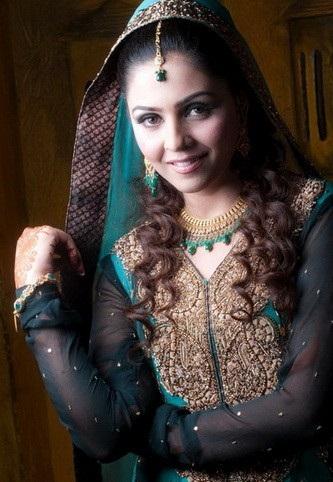 Typical Pakistani dress 207x300 Pakistani Party Wear / Dress