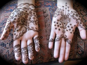 Beautiful Eid Mehndi Design 300x225 Latest Mehndi designs for Eid and Wedding