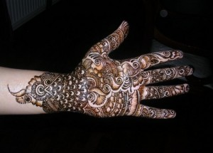 Beautiful Mehndi Art Design 300x215 Latest Mehndi designs for Eid and Wedding