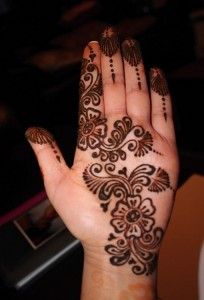 Mehndi Designs for Eid and Wedding Ceremony 204x300 Latest Mehndi designs for Eid and Wedding