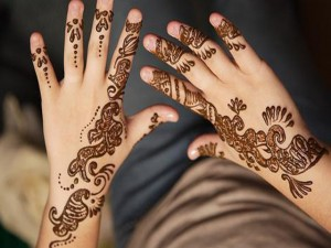 Simple Hand Mehndi Styles 300x225 Latest Mehndi designs for Eid and Wedding