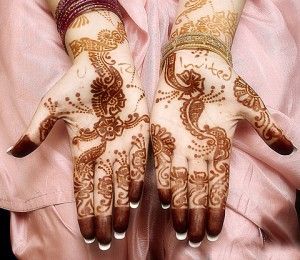 Wedding Mehndi Designs on Hand 300x260 Latest Mehndi designs for Eid and Wedding