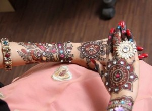 Arabic Mehndi Designs 300x219 Back Hand Mehandi Designs