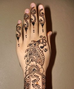 Back Hand Party Mehandi Design