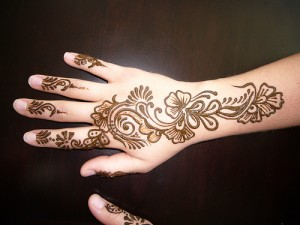Back hand Mehandi Design Images