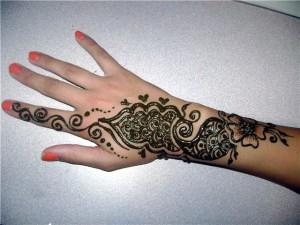 Gorgeous Mehndi Style