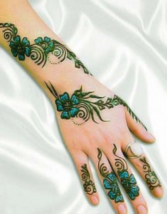 Indian Arabic Mehandi Design for Indian Wedding 235x300 Back Hand Mehandi Designs