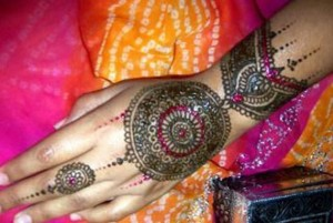 Mehandi Body Art 300x201 Back Hand Mehandi Designs