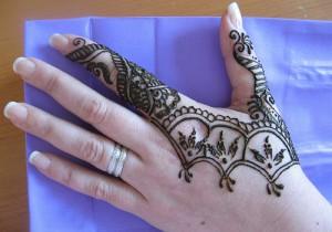 Nice Victory Back Hand Mehendi Design