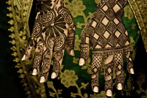 Party Mehndi Filling with Geomatrical Shapes