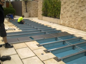 Building Pool Cover Structure