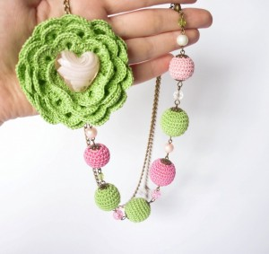 Handmade Necklace 300x283 Crafting Ideas for different types of Crafts