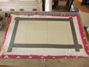 Apply Duct Tape 300x225 Making a Quatrefoil Design Rug Yourself   DIY Ideas