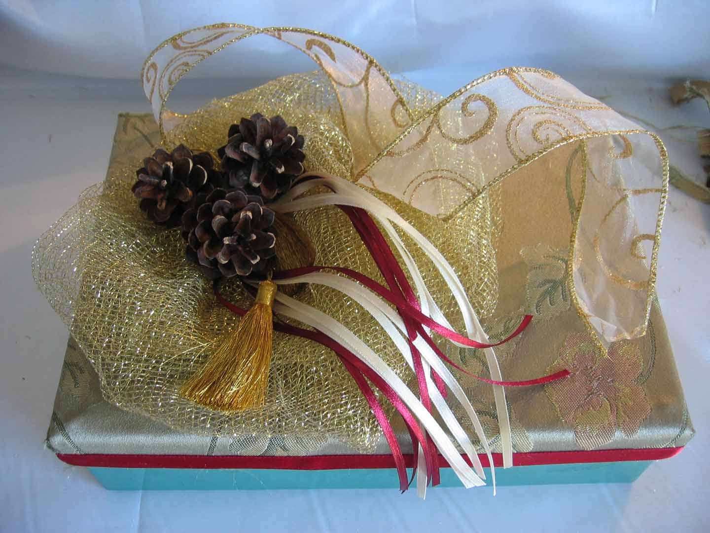 Mesh ribbon most versatile decor to dress your home latest handmade mesh gift wrapping negle Choice Image