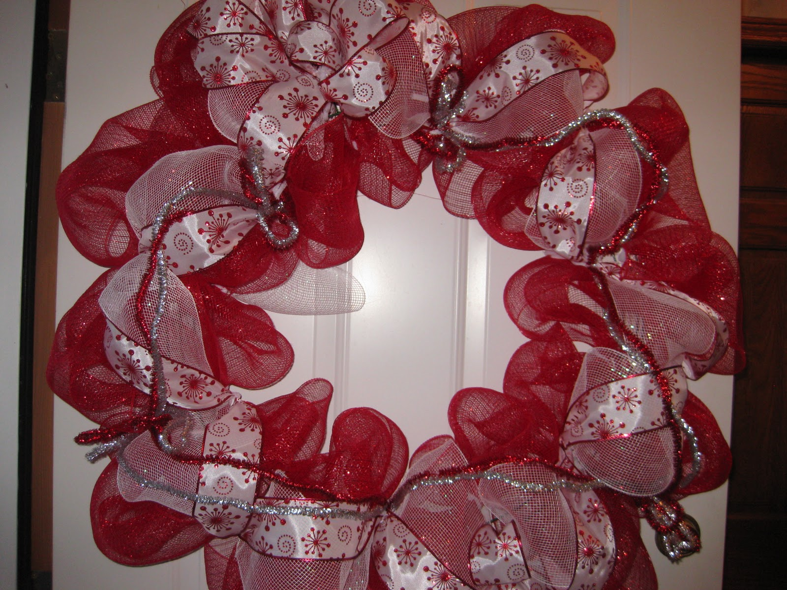 How to make a christmas wreath with mesh - Mesh Ribbon Craft Ideas Mesh Wreath