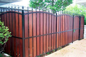 Privacy fence 300x200 Interesting Fence Ideas for Your Yard