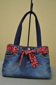 Stylish looking DIY Handbag